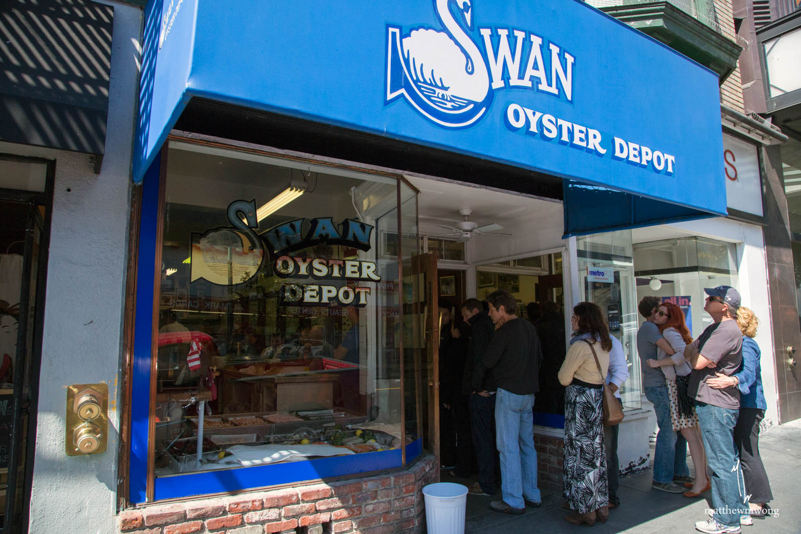 Lining up at Swan Oyster Depot