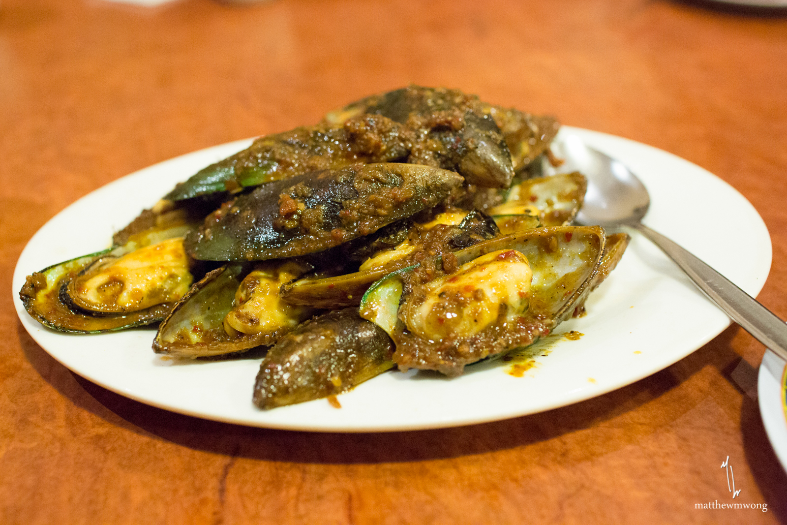Spicy Mussels, mussels cooked in sambal sauce